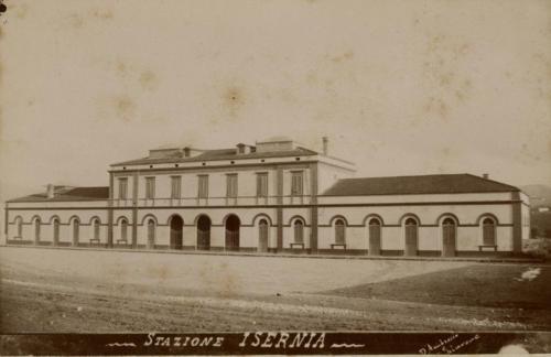 Isernia 1893 circa, stazione in costruzione, lato città (foto D'Ambrosio e Schiavone)