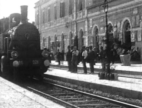 Isernia_anni20_stazione_treno