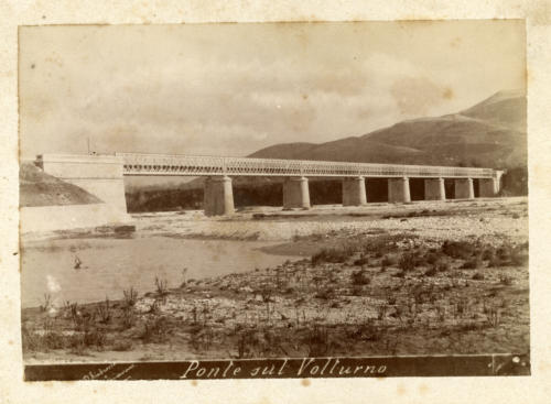 1893 circa  viadotto Volturno tra le stazioni di Monteroduni e Roccaravindola (foto D'Ambrosio e Schiavone)